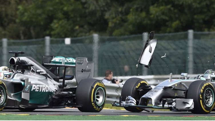 L'accrochage entre Hamilton et Rosberg à Spa (JOHN THYS / AFP)
