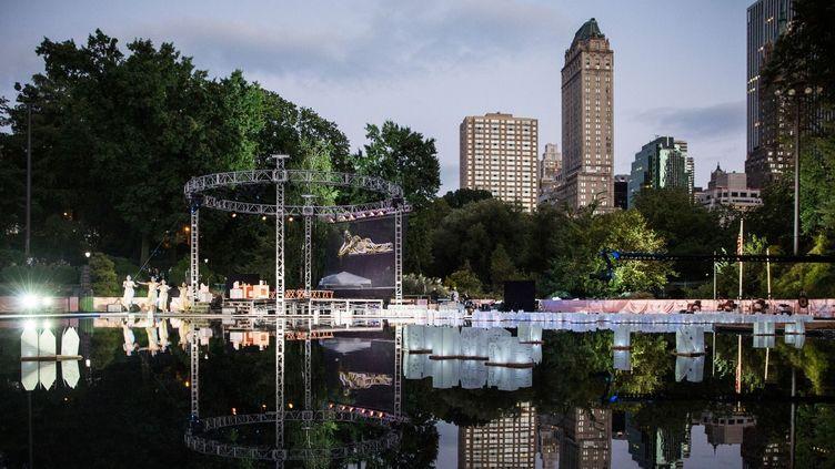 Au milieu des immeubles et de la ville, Central Park est l'un des parcs les plus réputés qui attirents de nombreux touristes du monde entier  (AFP/ANDREW BURTON)