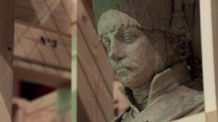 Musée du Louvre : un déménagement hors normes pour protéger les œuvres vulnérables (FRANCE 2)