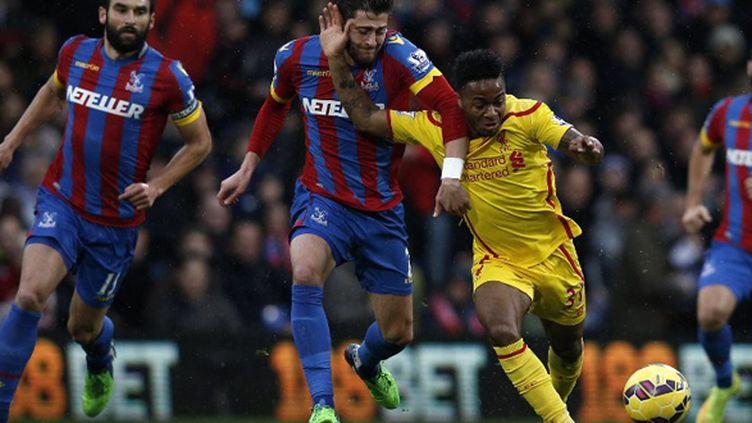 Sterling (Liverpool) complètement abandonné (ADRIAN DENNIS / AFP)