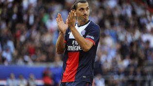 Avec un salaire estimé à 16 millions d'euros annuels, le Parisien Zlatan Ibrahimovic est concerné par la taxe à 75% sur les très hauts revenus. (JEAN MARIE HERVIO / DPPI MEDIA / AFP)