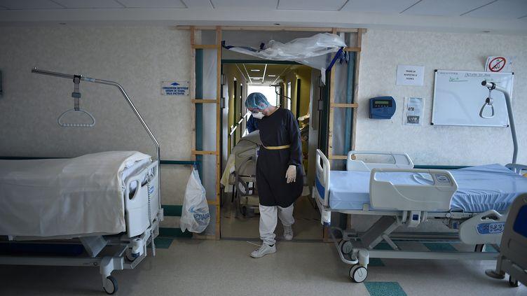 L'unitécovid du centre hospitalier de Saint-Amand-les-Eaux, dans le Nord, le 10 mai 2020. (MAXPPP)