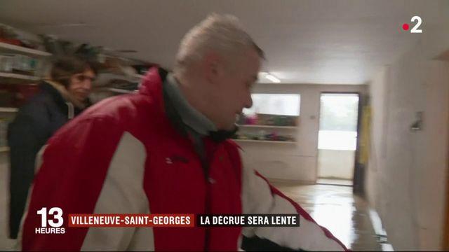 Val-de-Marne : la décrue ralentie par la neige et le froid
