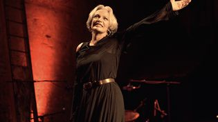 L'actrice et chanteuse Marie Laforêt, au théâtre des Bouffes Parisiens, à Paris, le 12 septembre 2005. (JOEL ROBINE / AFP)