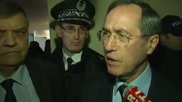 Le ministre de l'Intérieur, Claude Guéant, le 31 octobre 2011 à Saint-Ouen (Seine-Saint-Denis). (FTVi)