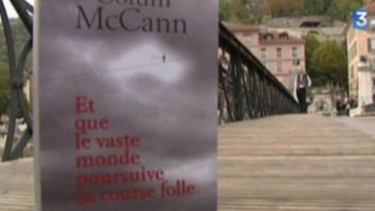 """"""" Et que le vaste monde poursuive sa course folle"""", le nouveau roman de Colum McCann  (Culturebox)"""