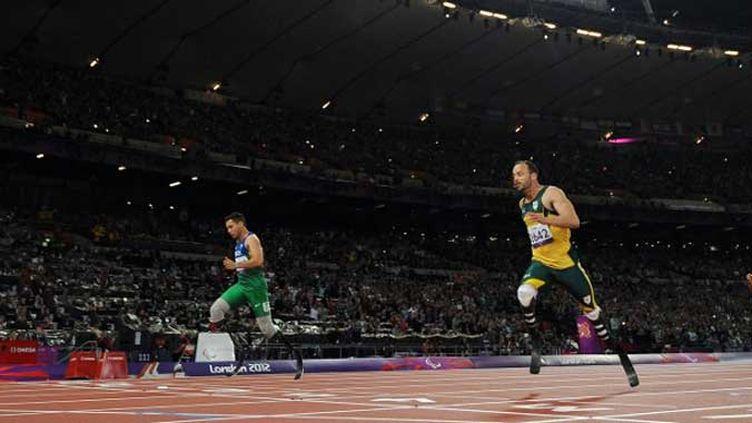 Oscar Pistorius battu par le Brésilien Alan Oliveira sur 200m
