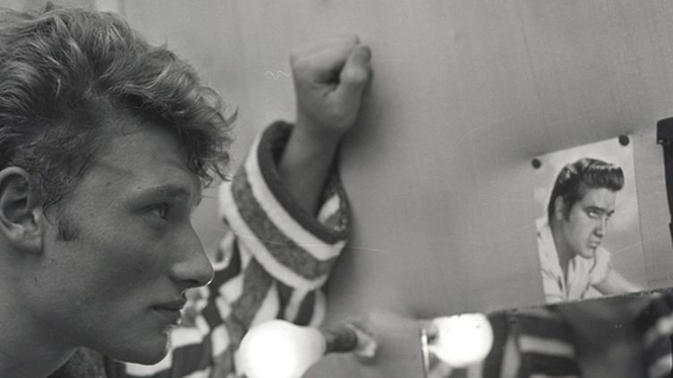 Johnny Hallyday tout jeune dans sa loge à l'Olympia.  (Roger Kasparian)