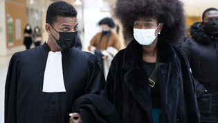Assa Traoré et son avocat maître Yassine Bouzrou, au tribunal correctionnel de Paris, le 6 mai 2021. (ALEXIS SCIARD / MAXPPP)