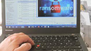 """Un ordinateur atteint par un """"ransonware"""", (un""""rançongiciel""""). (MAXPPP)"""