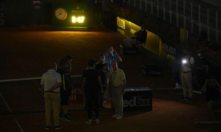 Gaël Monfils interrompu pendant son match à Rome par une coupure d'électricité (RICCARDO ANTIMIANI / POOL / ANSA POOL)