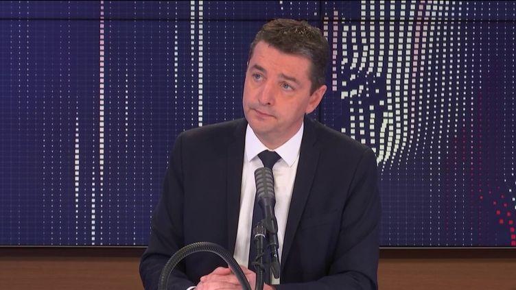 """Gaël Perdriau, maire de Saint-Etienne et vice-président des Républicains, était l'invité du """"8h30 franceinfo"""", dimanche 10 janvier 2021. (FRANCEINFO / RADIOFRANCE)"""