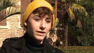 Alexis, un élève de 1e à Albi (Tarn), dont le maquillage a choqué une parent d'élève de son lycée. (FRANCE 3)