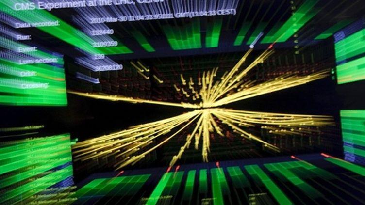 Un écran de contrôle du Cern montrant des collisions de particules à ultra haute énergie. (AFP PHOTO / FABRICE COFFRINI)