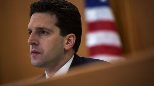 Le régulateur financier de New York (Etats-Unis), Benjamin Lawsky, lors d'une audience dans la ville, le 29 janvier 2014. (ERIC THAYER / REUTERS)