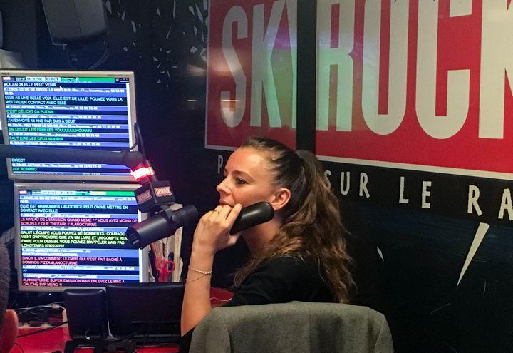 """Marie, animatrice de la """"Radio libre"""" de Skyrock, jeudi 11 mai 2017. (ELISE LAMBERT/FRANCEINFO)"""