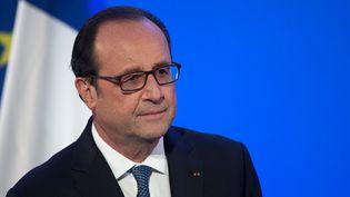 """François Hollande, qui s'exprimera dimanche à 14h30 à la conférence sur la paix au Proche-Orient organisée à Paris, a convenu jeudi que """"seules des négociations bilatérales"""" entre Israéliens et Palestiniens pourraient aboutir à la paix (Photo d'illustration) (FADEL SENNA / AFP)"""