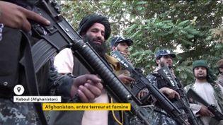 L'Afghanistan au bord du chaos, entre attentats et détresse économique (FRANCEINFO)