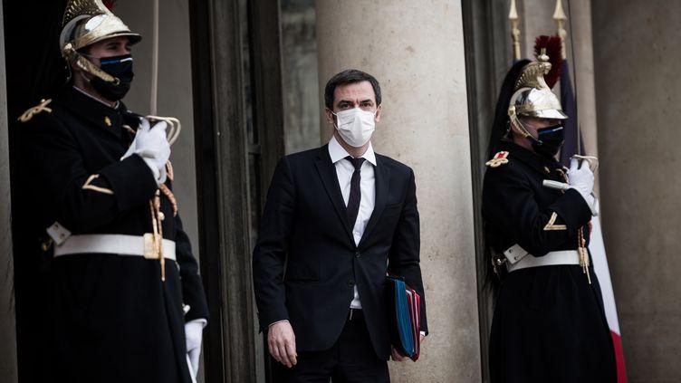 Le ministre de la Santé, Olivier Véran, le 20 janvier 2021 à l'Elysée (Paris). (ARTHUR NICHOLAS ORCHARD / HANS LUCAS / AFP)
