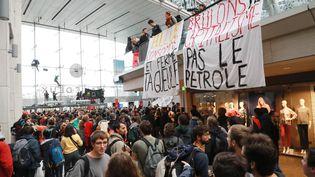 Dans le centre commercial Italie 2, à Paris, le 5 octobre 2019. (JACQUES DEMARTHON / AFP)