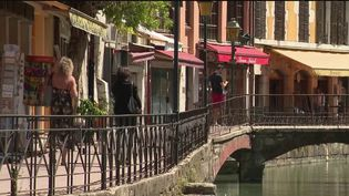 Les restaurants, fermés depuis le 15 mars, vont pouvoir rouvrir le 2 juin, seulement en terrasse pour les zones orange. (France 3)