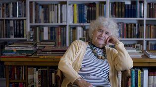 L'écrivaine, journaliste et historienne Jan Morris, dans son village deLlanystumdwy au Pays de Galles. (2007) (COLIN MCPHERSON / CORBIS HISTORICAL)