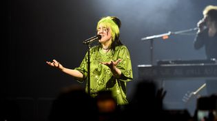 "La chanteuse Billie Eilish lors du coup d'envoi de sa tournée mondiale ""Where Do We Go?"" à Miami (Floride) le 9 mars 2020. (KEVIN MAZUR / GETTY IMAGES NORTH AMERICA)"