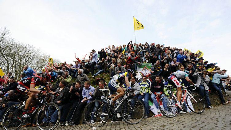 La montée du Mur de Grammont en 2011 (ERIC LALMAND / BELGA MAG)