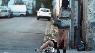 Des prostituées sur les quais de Bordeaux, le 5 septembre 2016. (MAXPPP)
