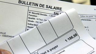 Des bulletins de paie. (JULIO PELAEZ / MAXPPP)