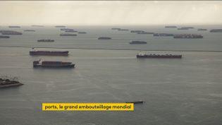 Un embouteillage de porte-containers au large de Los Angeles (FRANCEINFO)