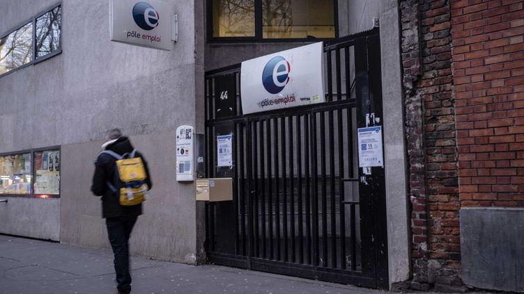 Une agence Pôle emploi à Paris, le 20 janvier 2021. (HUGO PASSARELLO LUNA / HANS LUCAS / AFP)