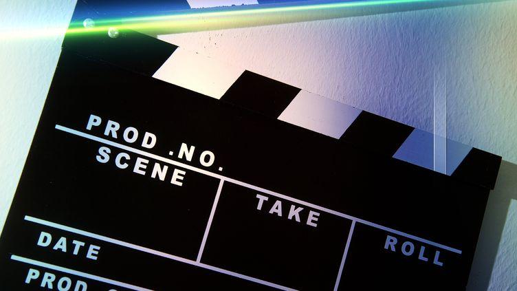 Outre les services de vidéo à la demande comme Netflix, OCS et Amazon Prime, de nombreuses plateformes proposent des films pour s'occuper durant le confinement. (PATRICK LEFEVRE / BELGA MAG)
