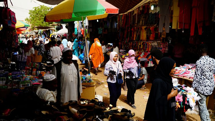 Vue d'un marché de Khartoum, la capitale du Soudan, le 24 juin 2019. (UMIT BEKTAS / REUTERS)
