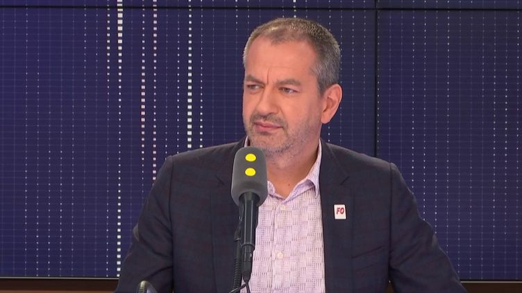 """Pascal Pavageau, le secrétaire général de Force ouvrière, dénonce sur franceinfo la """"radicalité"""" du gouvernement. (FRANCEINFO)"""