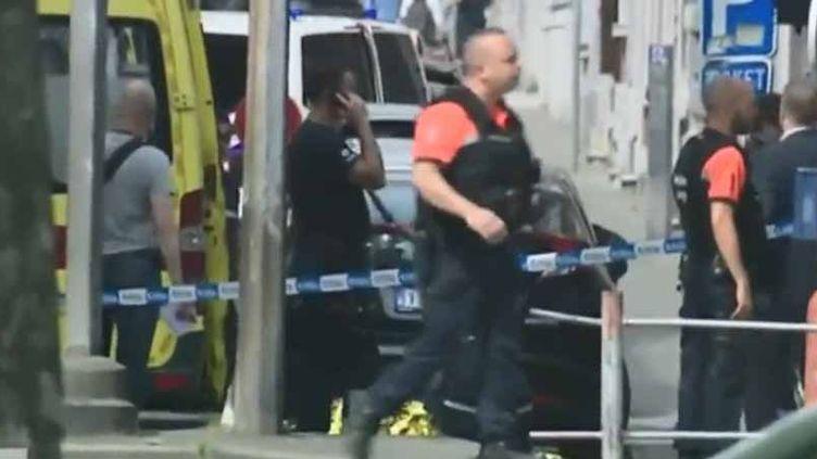 Des policiers sur les lieux de la fusillade meurtrière à Liège (Belgique) (France 2)