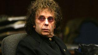Le producteur de musique Phil Spectorlors de son procès pour le meurtre par balle de l'actrice Lana Clarkson,le 17 février 2004 à Alhambra en Californie. (POOL / POOL / AFP)