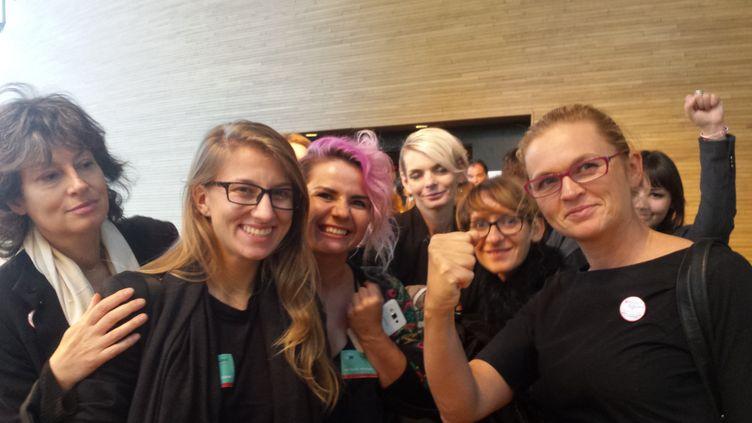 Femmes polonaises venues défendre le droit à l'avortement au Parlement européen à Strasbourg (ANJA VOGEL / RADIO FRANCE)
