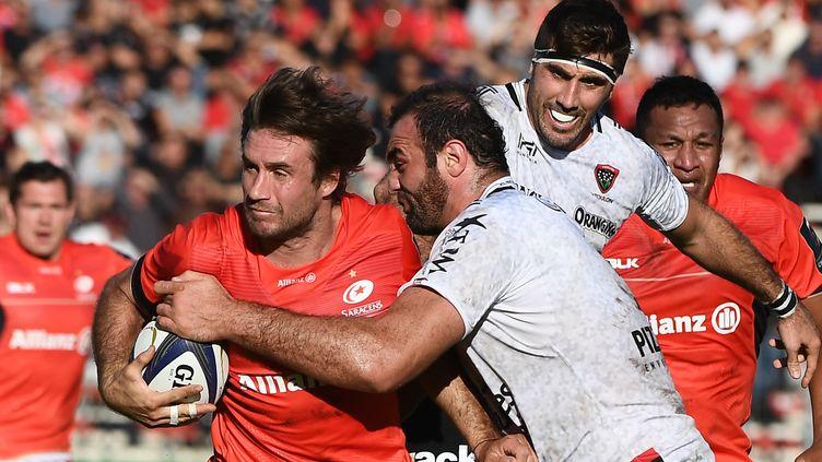 Figallo (Saracens) tente une percée face à Toulon (BORIS HORVAT / AFP)