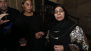 Zoulikha Aziri, la mère de Mohamed et AbdelkaderMerah au palais de justice de Paris, le 2 octobre 2017 (MAXPPP)