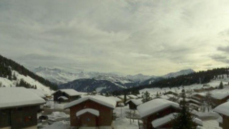 Stations de ski : les domaines s'adaptent à l'arrêt des remontées mécaniques (France 2)