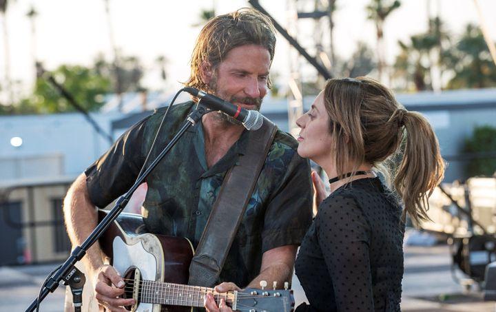"Bradley Cooper (Jackson) et Lady Gaga (Ally) dans ""A Star Is Born"" .  (Warner Bros. Entertainment Inc. And Ratpac-Dune Entertainment LLC/ Neal Preston)"