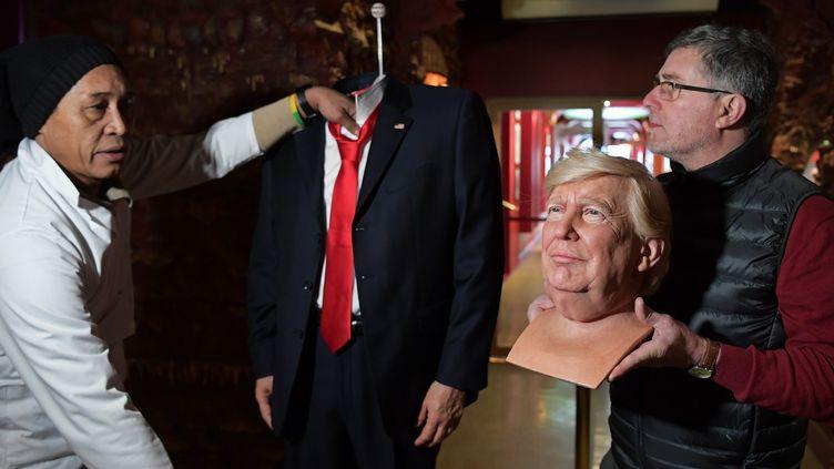 Donald Trump fait son entrée au Musée Grévin en janvier 2017.  (CHRISTOPHE ARCHAMBAULT / AFP)
