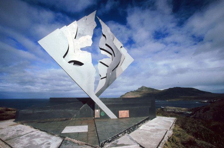 Monument de l'albatros, rendant hommage aux nombreux morts ayant tenté de passer le cap Horn, sur l'île d'Horn. (MAXPPP)