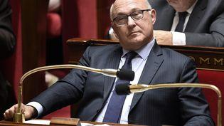 Le ministre des Finances, Michel Sapin, lors de la séance des questions d'actualité au gouvernement à l'Assemblée nationale (Paris), le 30 juin 2015. (MARTIN BUREAU / AFP)