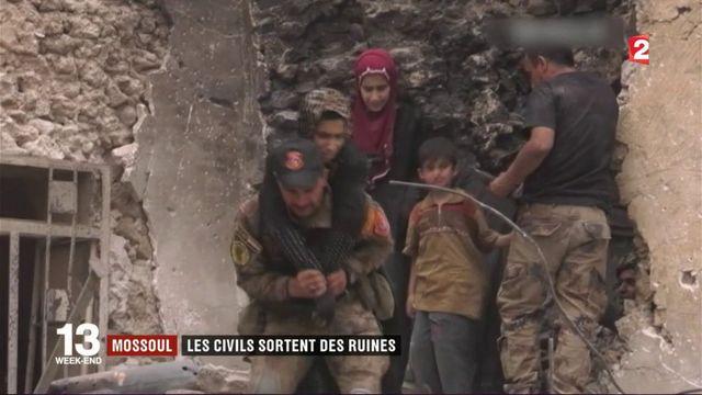 VIDEO. Irak : à Mossoul, les civils sortent des ruines
