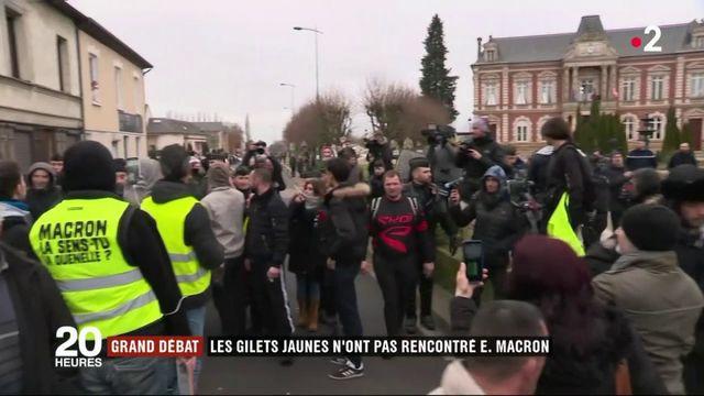 """Grand débat national : les """"gilets jaunes"""" frustrés à Grand Bourgtheroulde"""