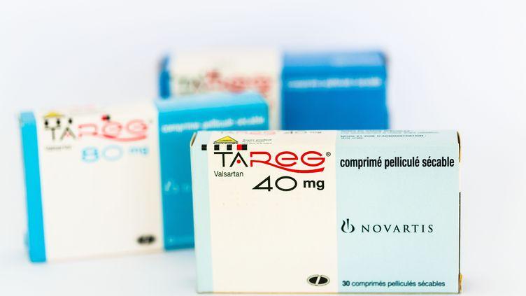 Des médicaments contre l'hypertension, utilisant la molécule Valsartan, le 22 juillet 2013. (GARO / PHANIE / AFP)