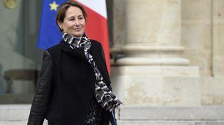 La ministre de l'Ecologie, Ségolène Royal, quitte le Palais de l'Elysée à Paris, le 4 mars 2015. (ERIC FEFERBERG / AFP)