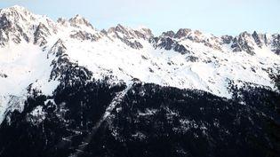 Le Mont-Blanc, vu de Chamonix (Haute-Savoie). (LUDOVIC MARIN / AFP)